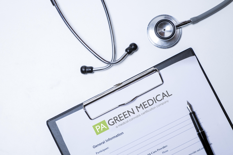 Doctor desktop  - DE Green Medical Marijuana